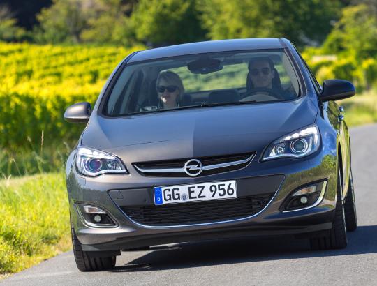 Astra IV – ostatnia szansa na klasycznego sedana